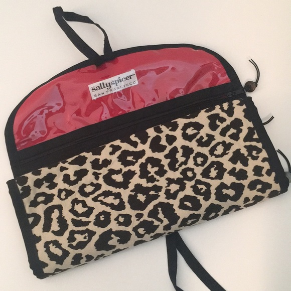 Sally Spicer Other - Jewelry / Make Up Organizer Cheetah Print